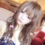 日本巨乳coser发性感照片骗钱 粉丝却很开心?