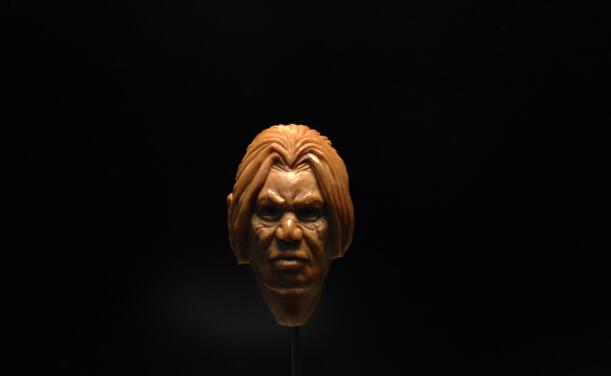 原创手工:橄榄核雕刻 瓦里安·乌瑞恩图片